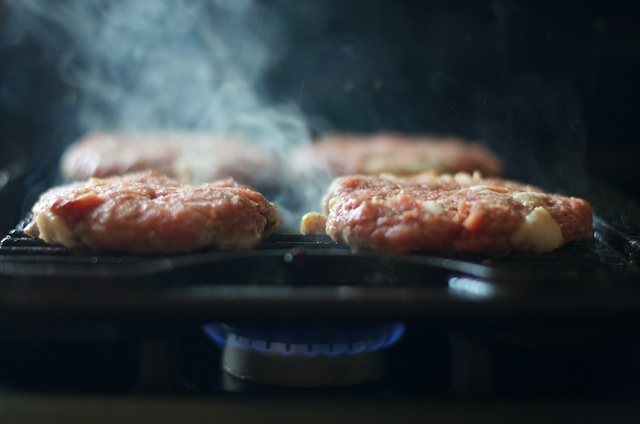 bacon burgers grilling