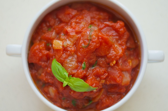 spicy tomato basil sauce