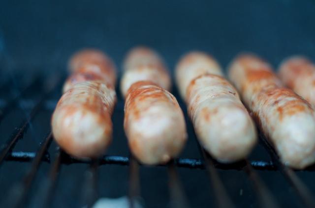 bratwurst grilling