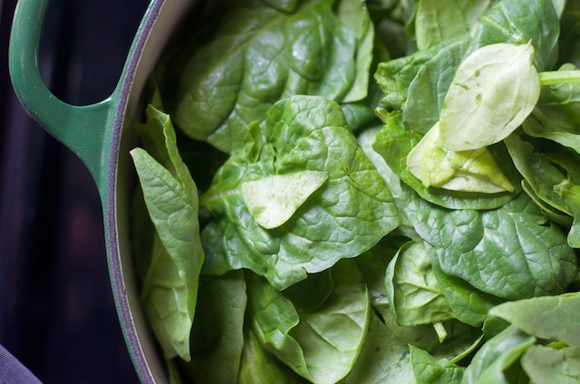 spinach in dutch oven
