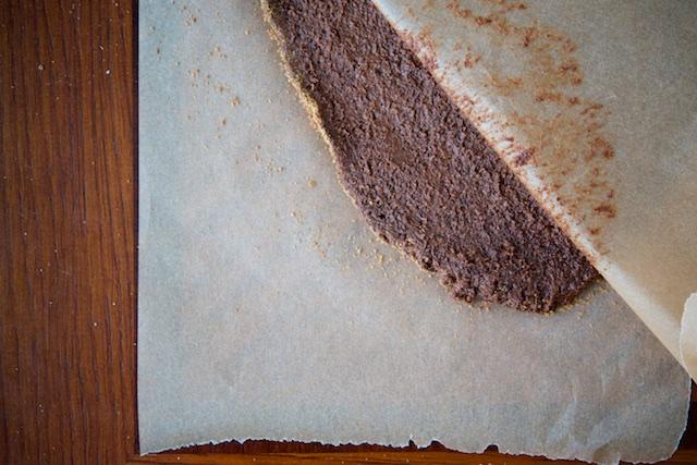 Basler Brusnli (Chocolate-Almond Spice Cookies) Recipe (paleo, primal, gluten-free)