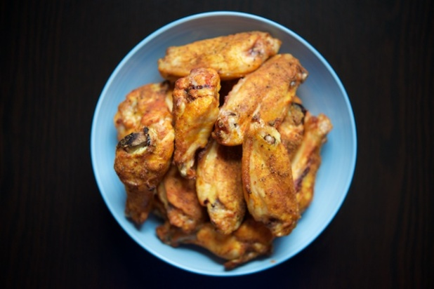 overhead-baked-buffalo-wings-paleo-recipe