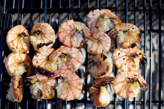 Ginger Garlic Grilled Shrimp Recipe (paleo, primal, gluten-free)