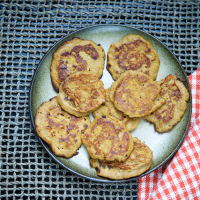 Pumpkin Spice Banana Pancakes